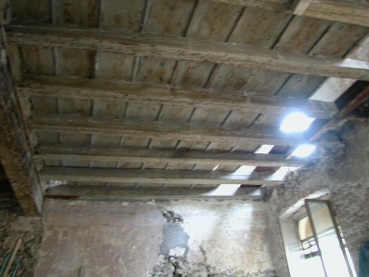Soffitti In Legno Bianchi : Travi legno soffitto gallery of costo travi in legno lacquisto al